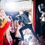 Musiikkivideo Kauneus sekoittaa mun pään Olavi Uusivirta
