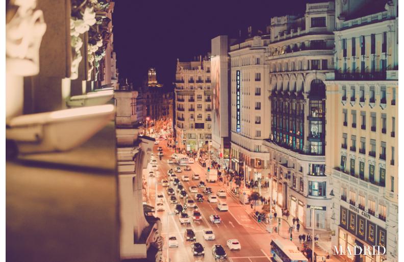 Madrid yöllä matkakuva